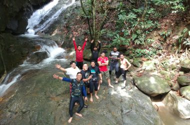 hikersbuncit air terjun lawing